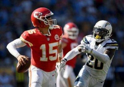Kansas City Chiefs vs Tennessee Titans Predictions & Betting Odds - NFL Picks